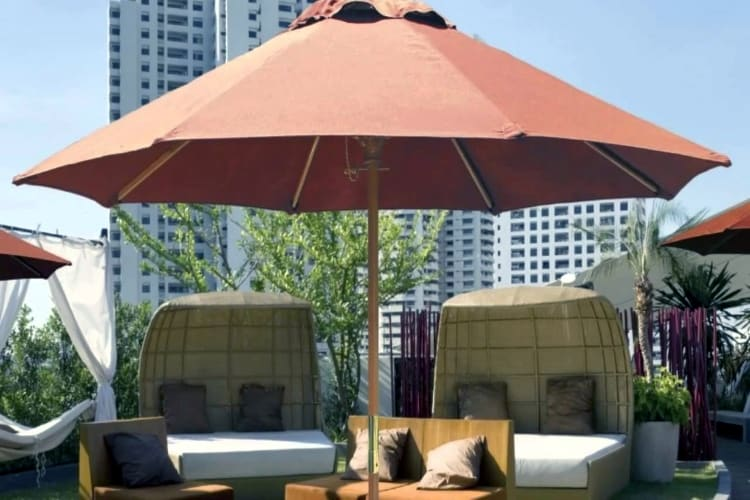 commercial patio umbrella